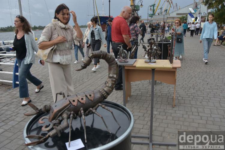 Скульптури з металу на фестивалі Ринда